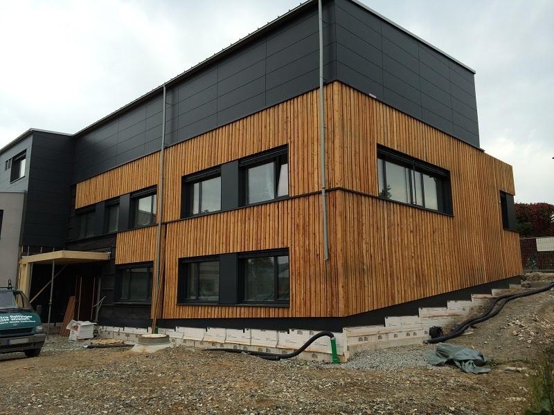 Außenansicht Gebäude Neubau Pelz&Design Hofstetter in Rötz