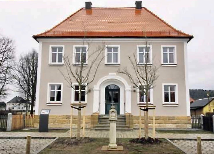 Ansicht Kulturhaus Bürgerhaus Schwarzenbach in neu renoviertem Zustand