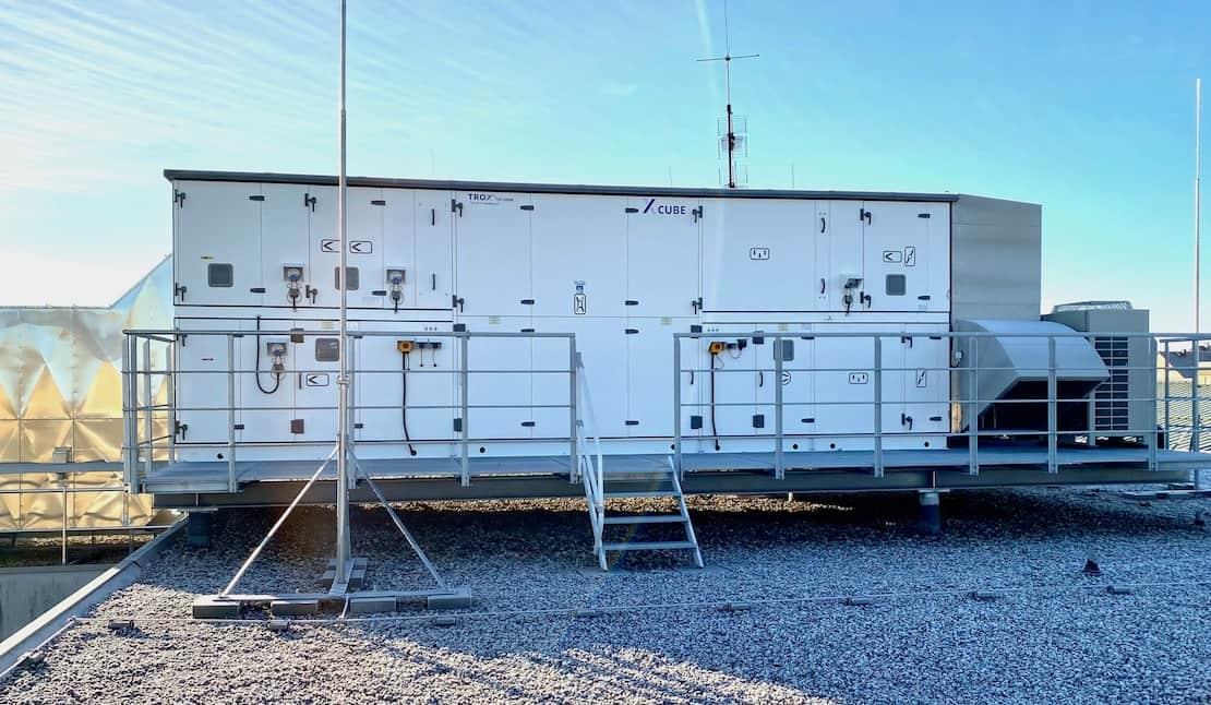 Technische Anlage am Dach des Staatlichen Berufsschulzentrums Wiesau
